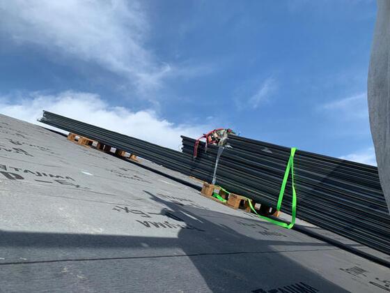 【奈良市】屋根のガルバリウムの施工が始まりました